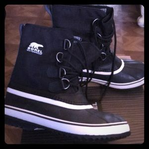 Brand new SOREL waterproof winter rain snow boots
